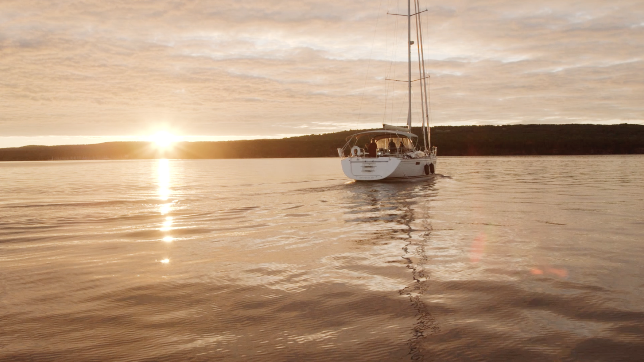 Ellie + Kyle | Bayfield / Apostle Islands, Wisconsin | Superior Charters
