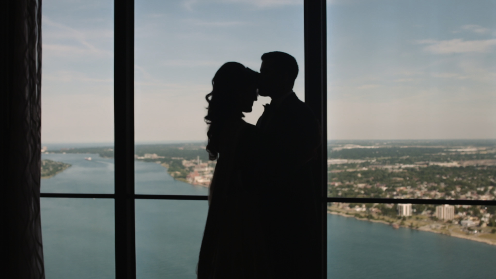 Shallu + Chirag | Detroit, Michigan | Detroit Marriott at the Renaissance Center