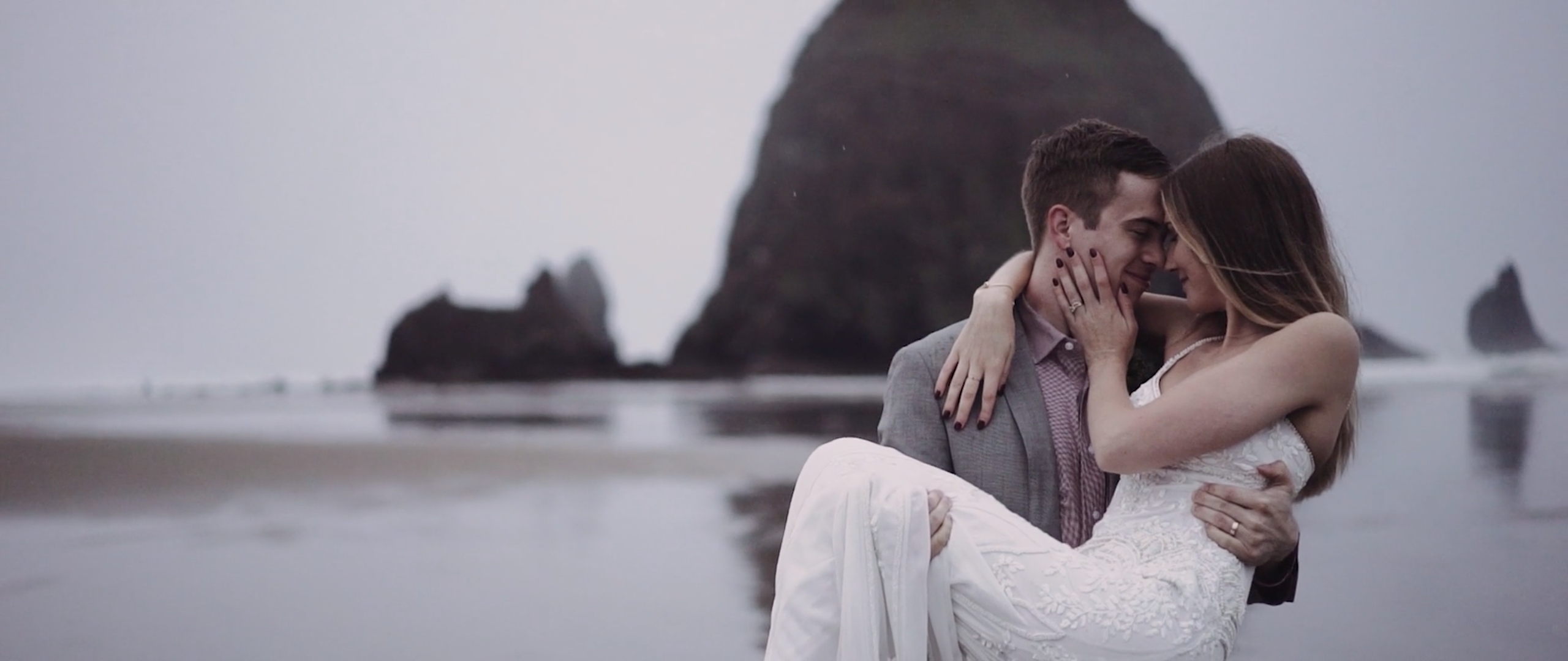Alexa + Tim | Cannon Beach, Oregon | Arch Cape Inn, Cannon Beach