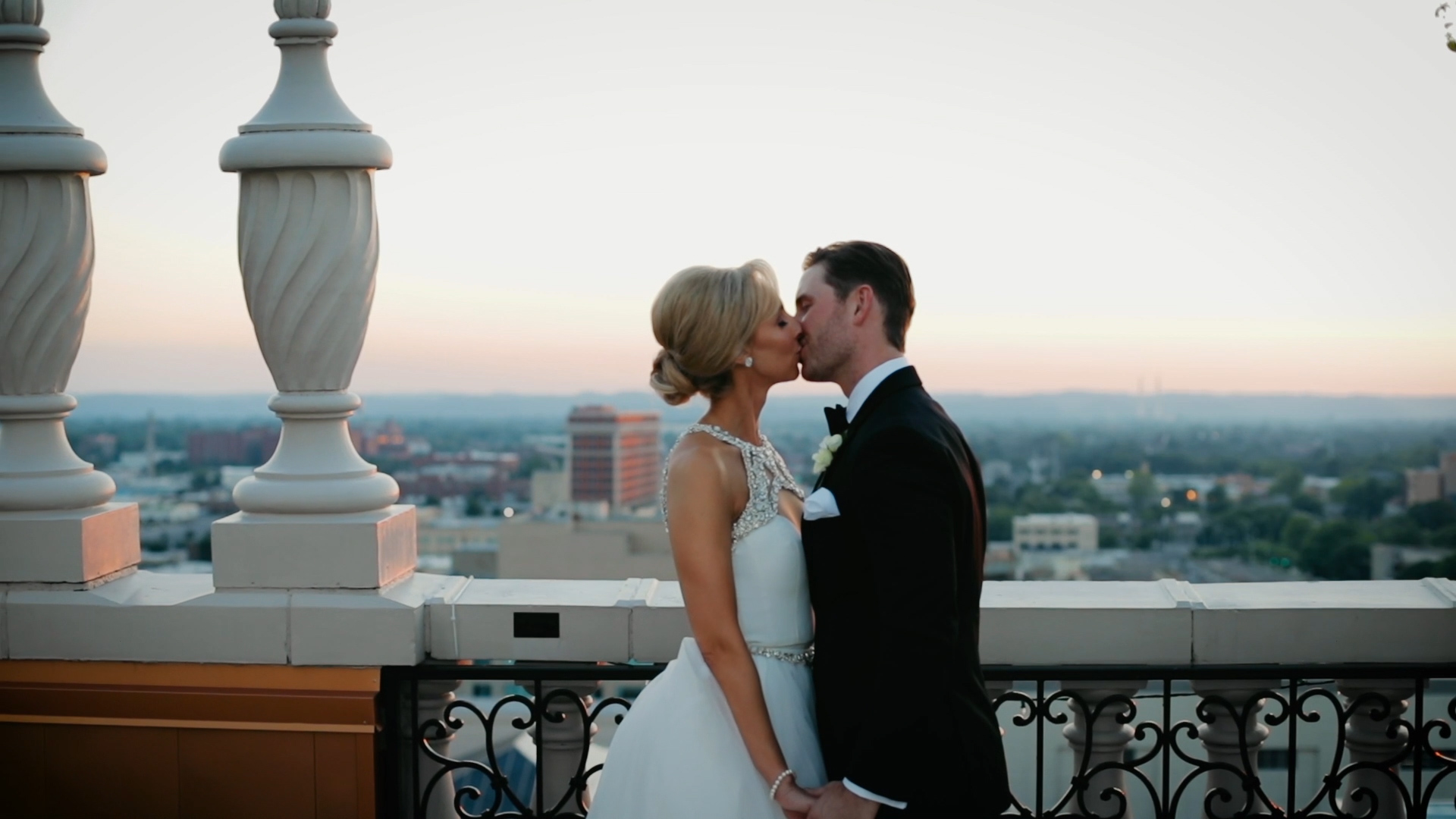 Rebecca + Chris | Louisville, Kentucky | The Brown Hotel