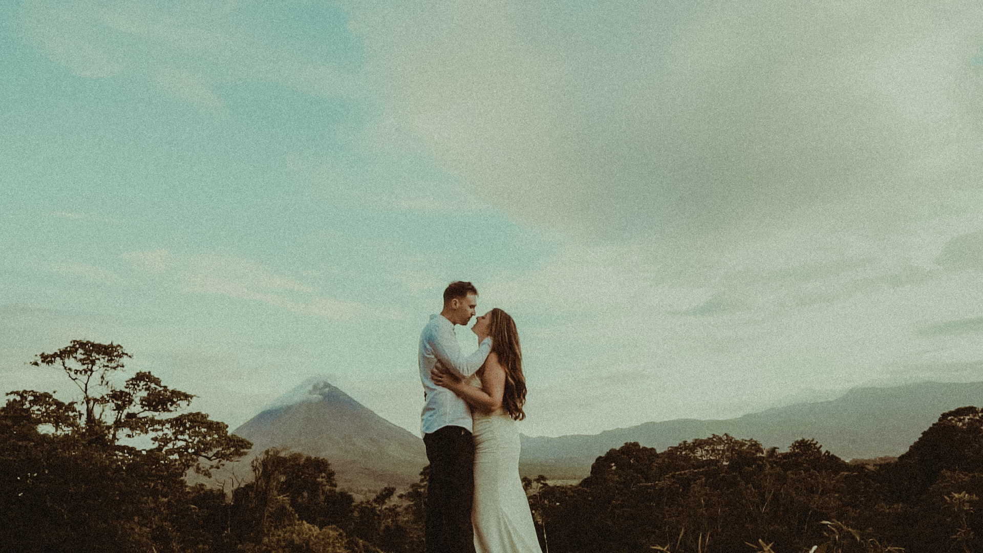 Jess + Clayton | Nuevo Arenal, Costa Rica | Arenal