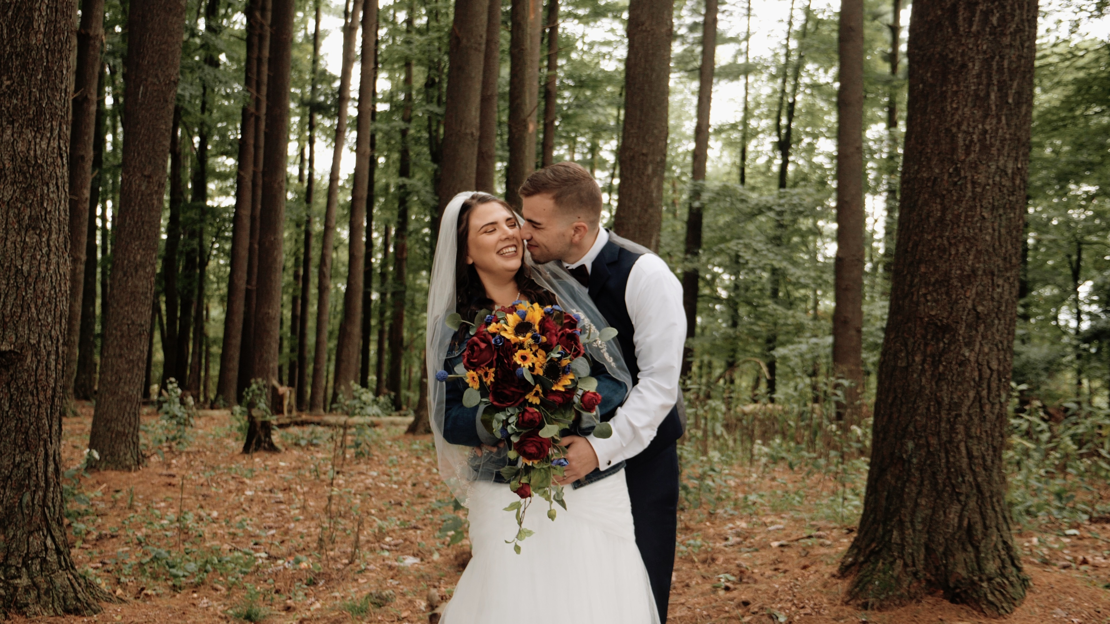 Brent  + Lindsey | Loudonville, Ohio | October Hill Campground