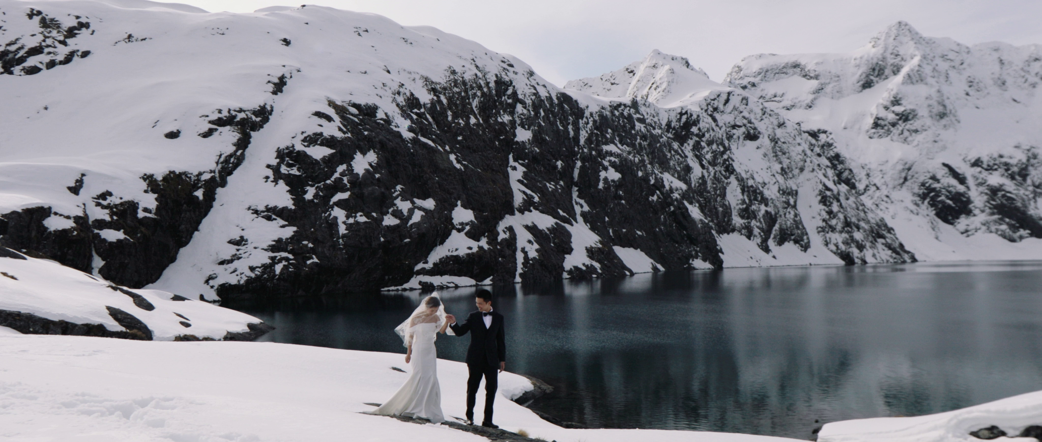 Mina + Boya | Queenstown, New Zealand | Matakauri lodge