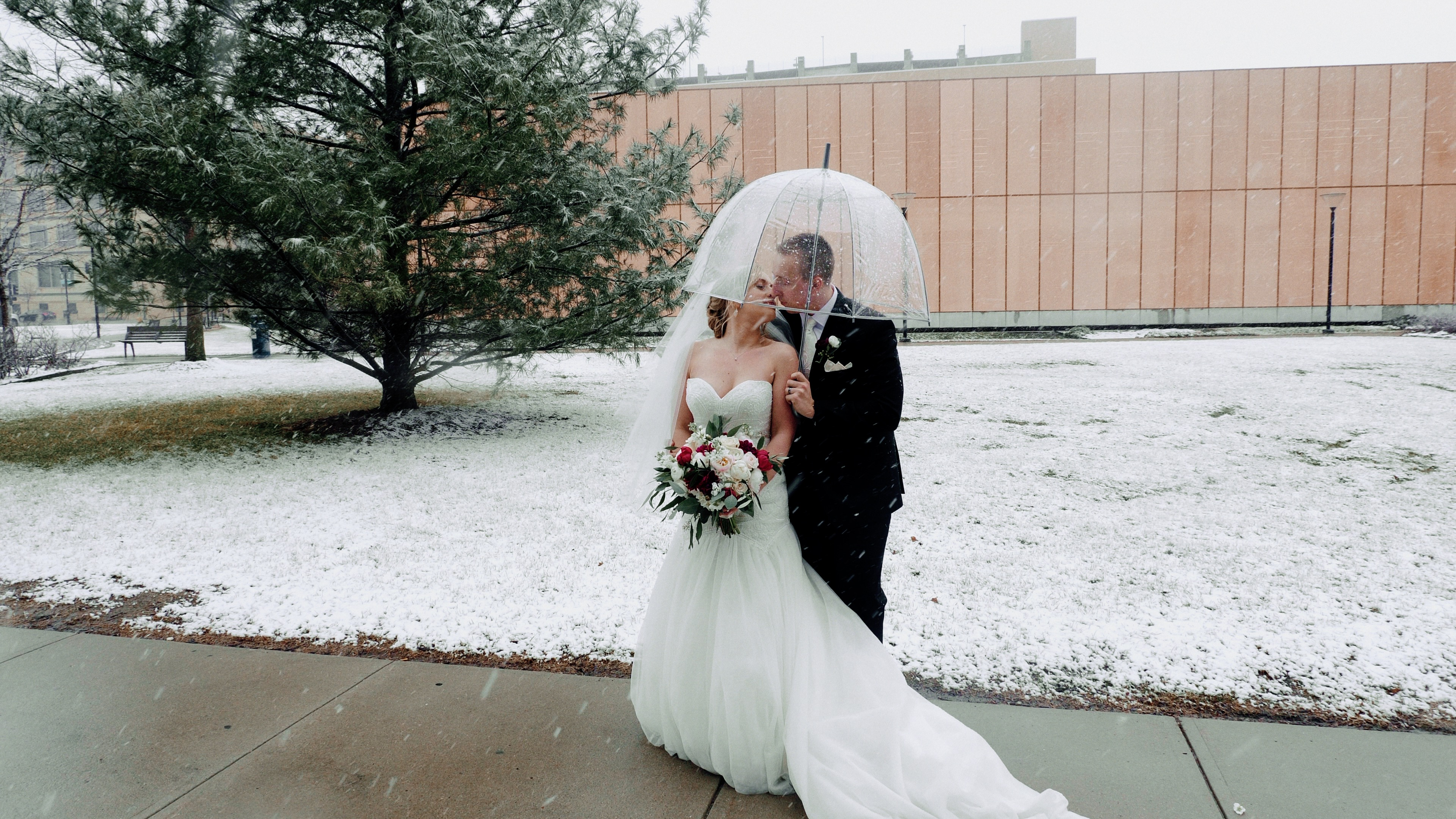 Maddy + Jordan | Des Moines, Iowa | Temple for Performing Arts