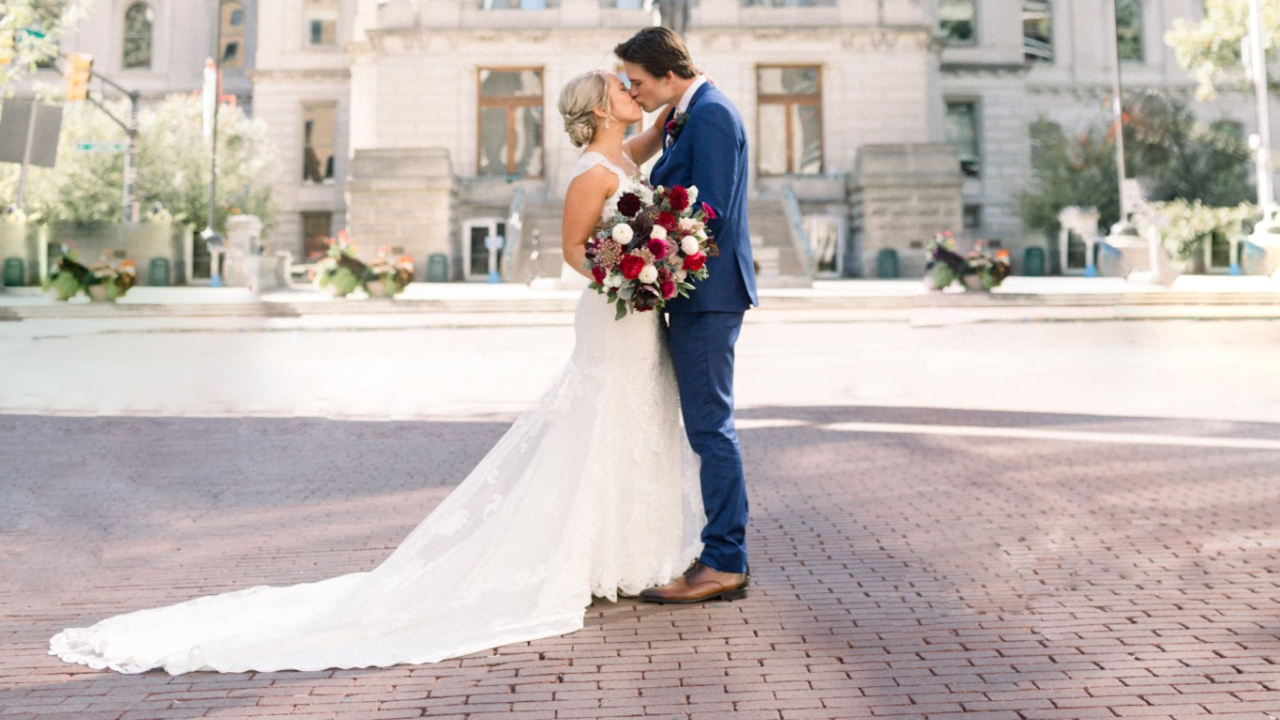 Ashley Edwards + Rob Keough | Indianapolis, Indiana | Indianapolis Artsgarden