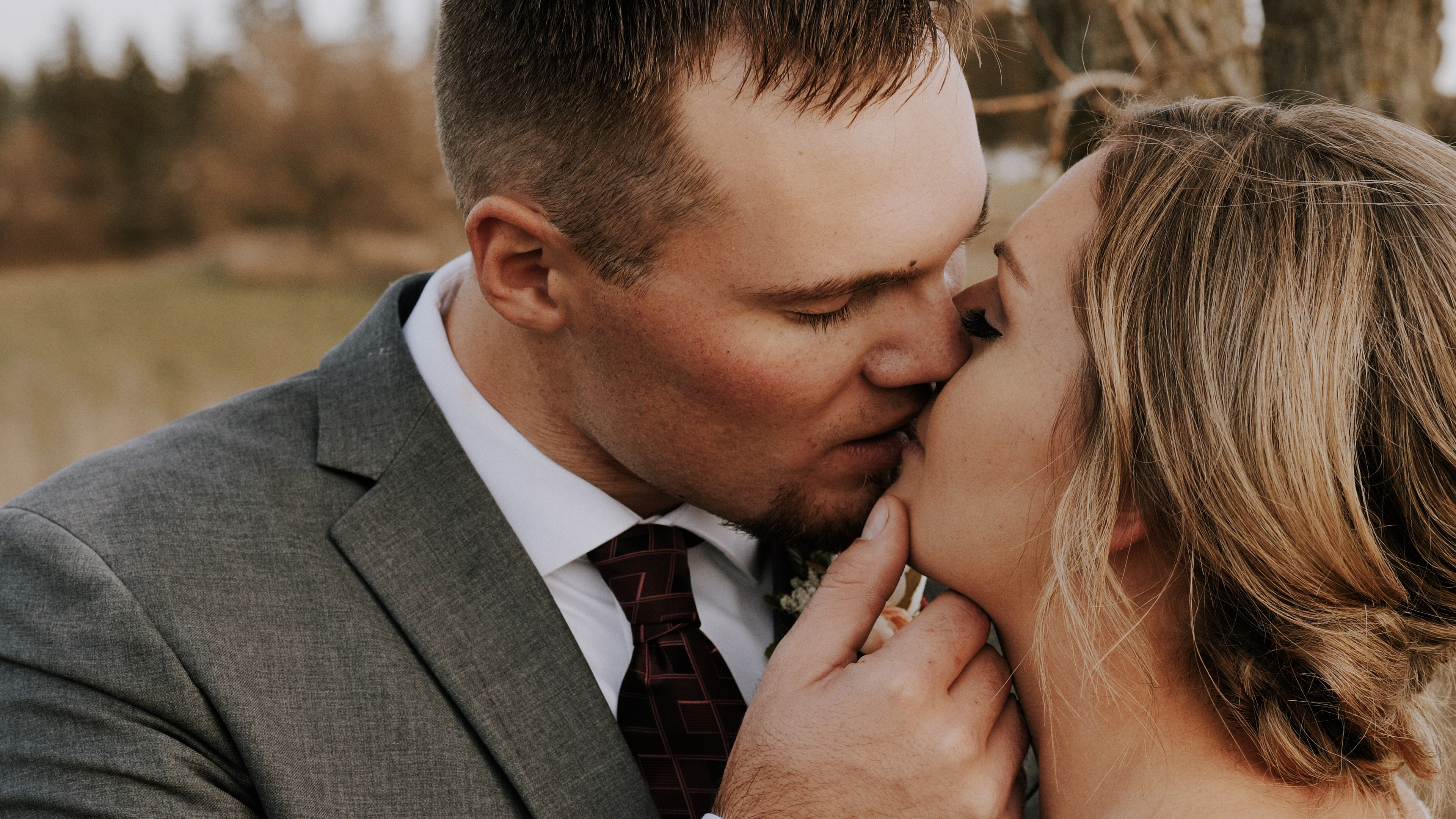 Stephanie + Ryan | Des Moines, Iowa | Barn on the Hill