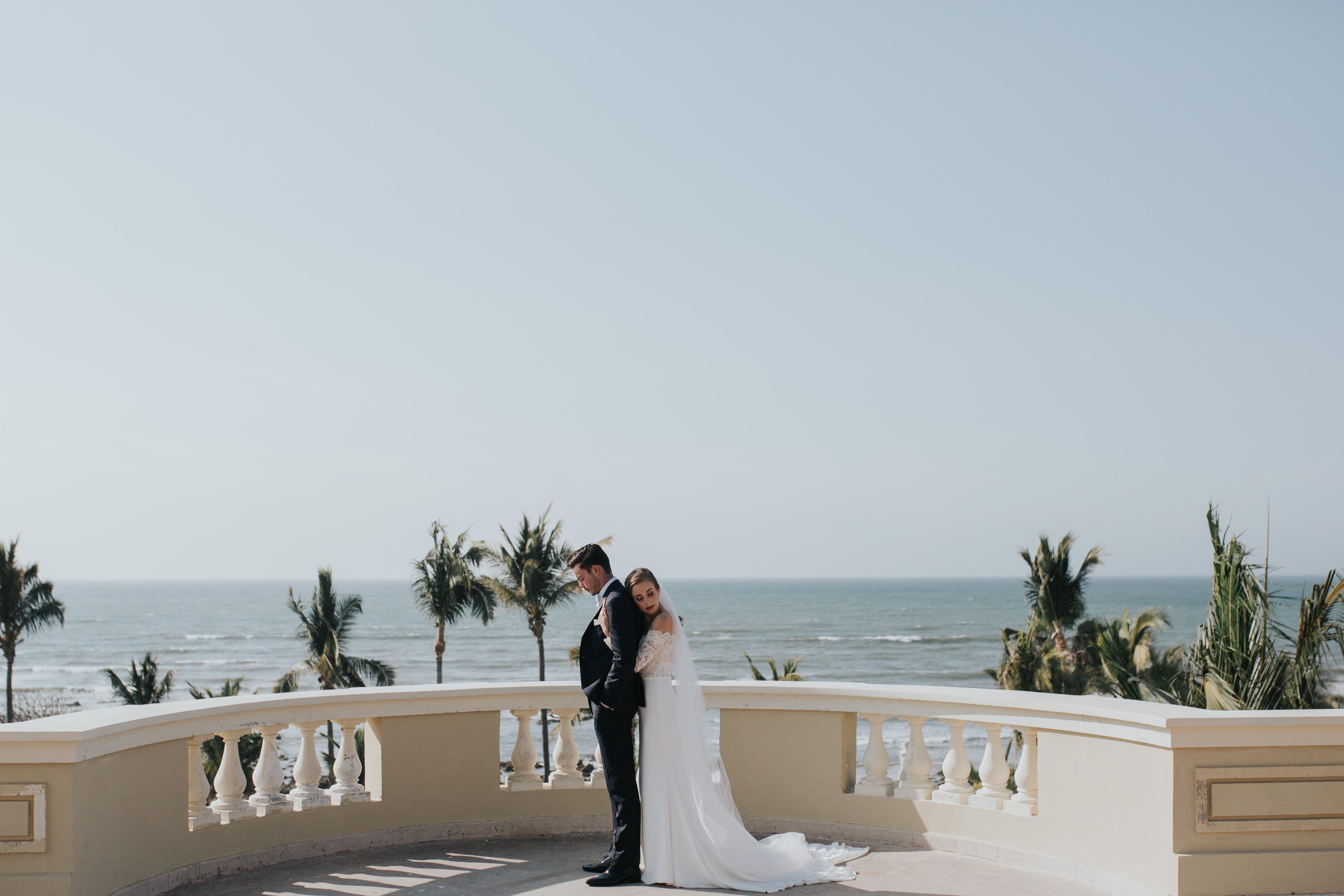 Megan + Maryo | Mazatlán, Mexico | Hotel Pueblo Bonito Emerald Bay & Baraka Beach Club