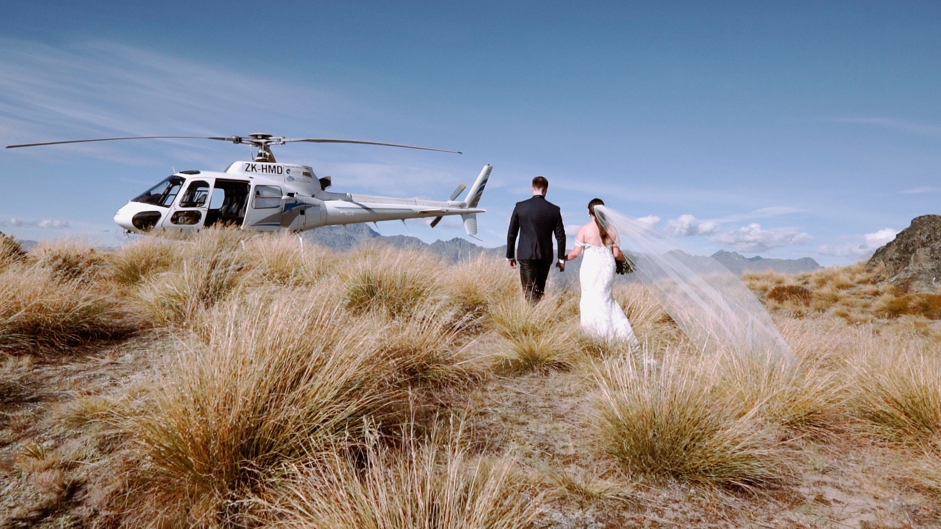 Tengo + Hannah | Queenstown, New Zealand | Stoneridge Estate