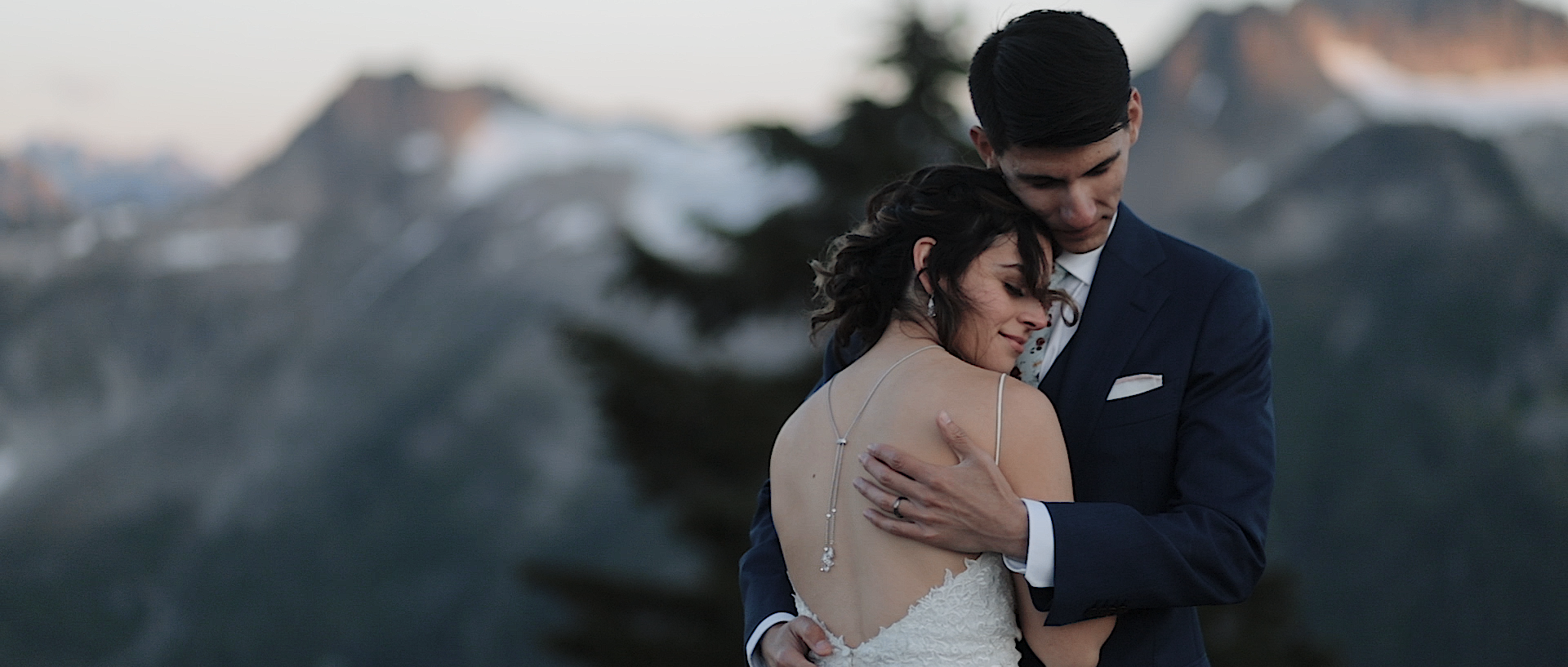Samantha + Greg | Deming, Washington | Artist Point