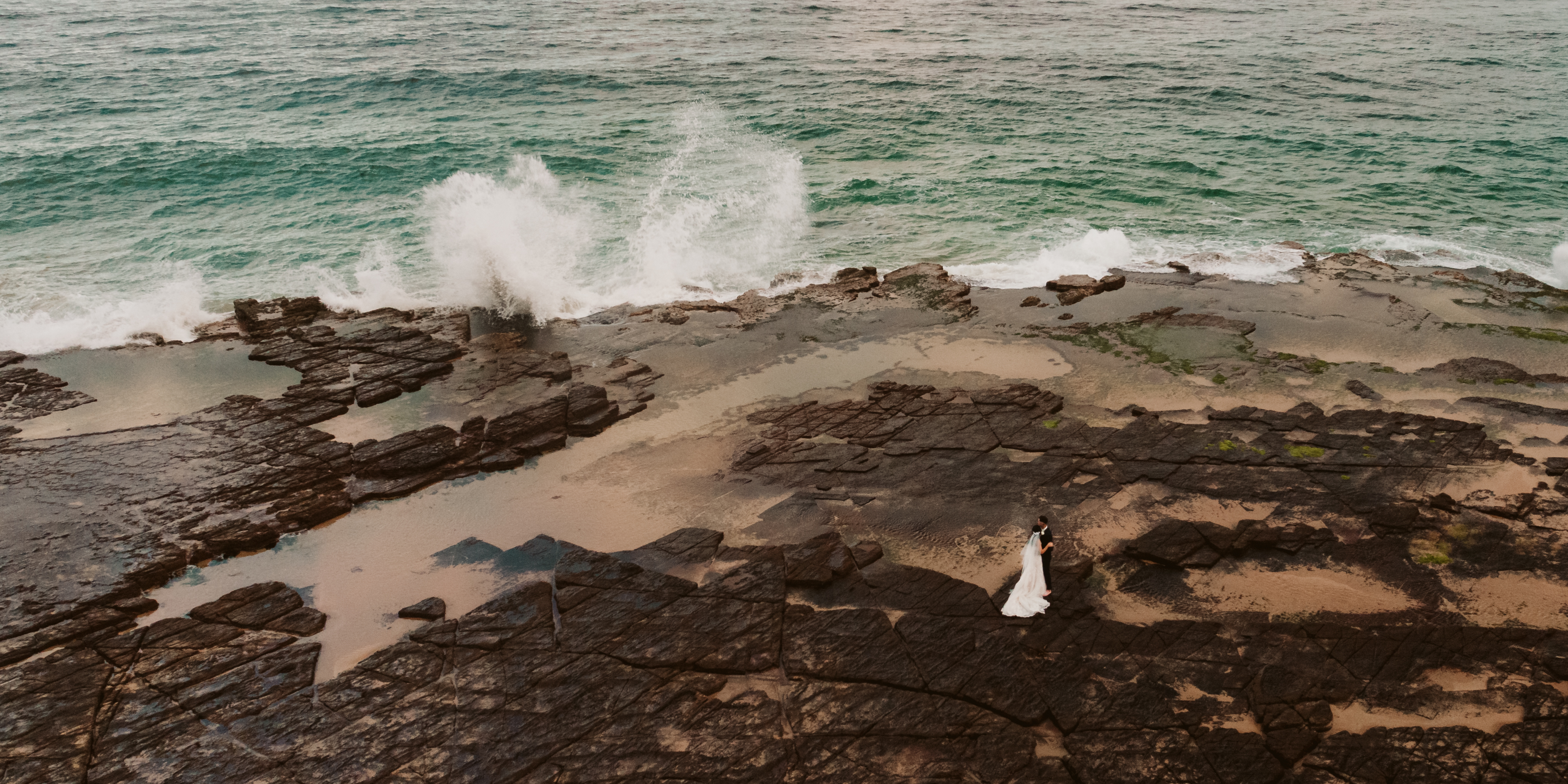 Katelyn + Isaac | Austinmer, Australia | headlands hotel