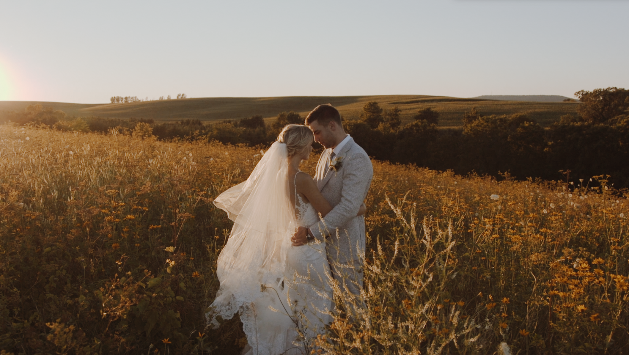 Megan + Nathan | Blue Mounds, Wisconsin | Prevailing Winds Lodge