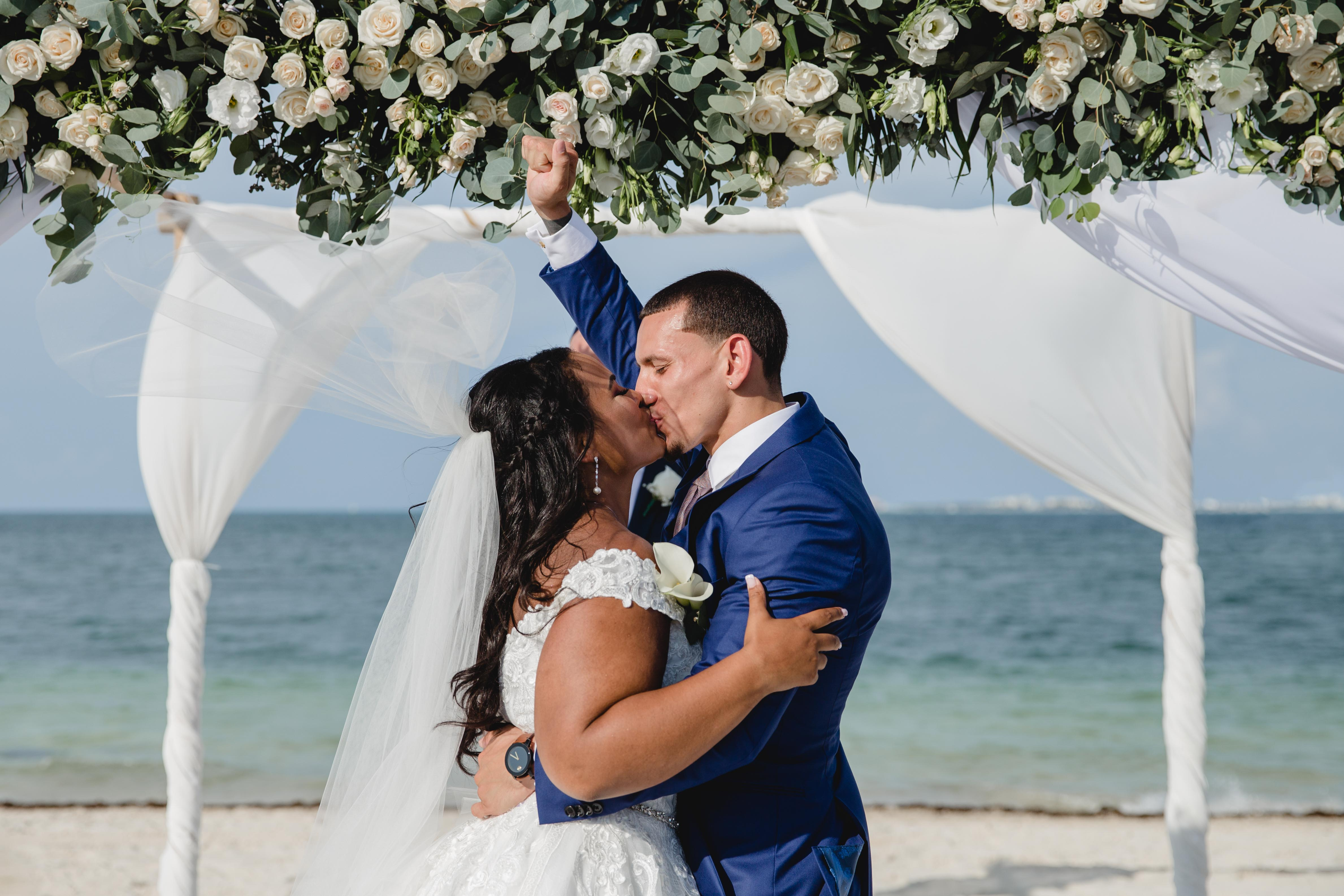 Farrah + Aaron | Cancún, Mexico | Finest Playa Mujeres