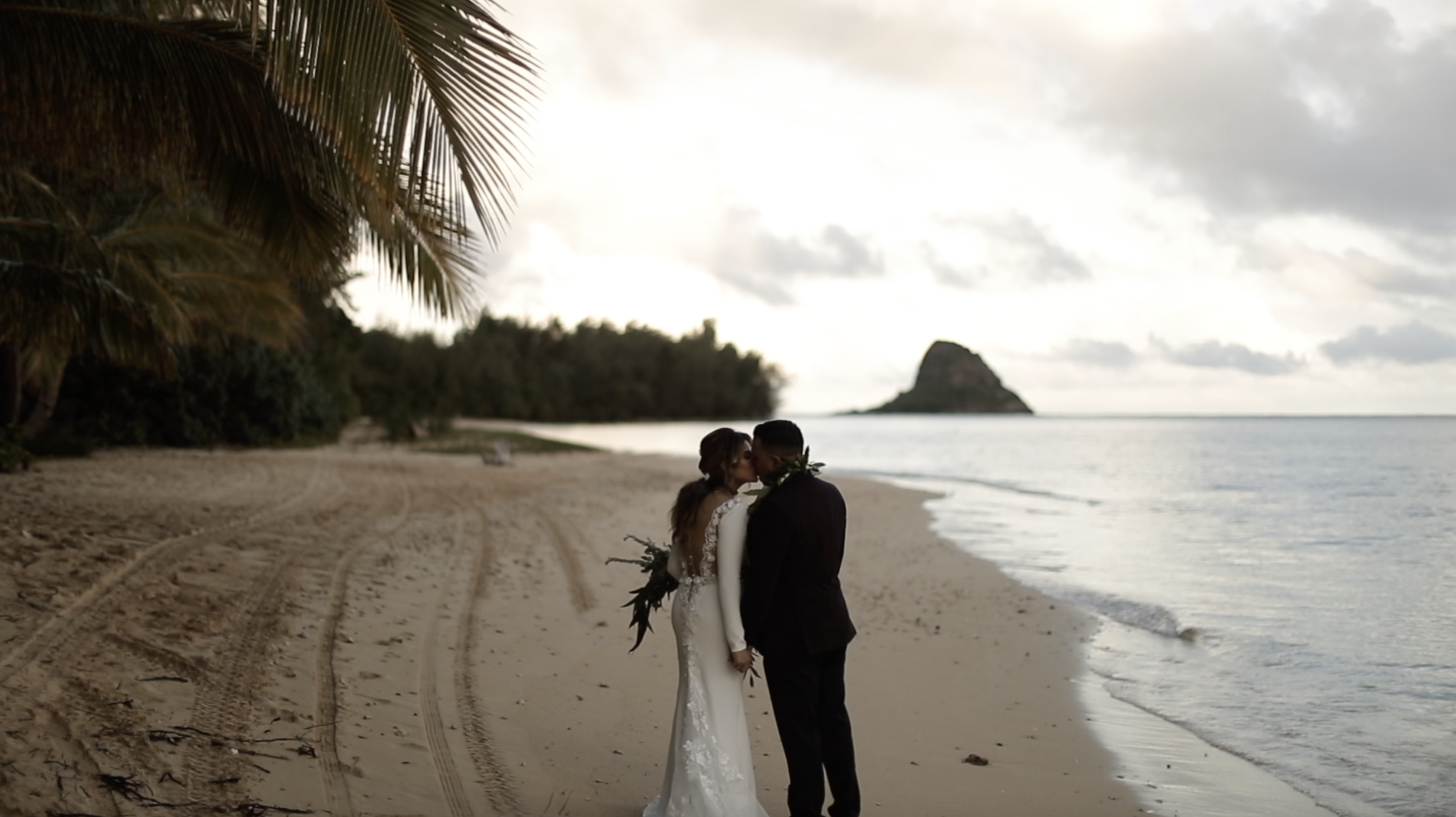 Bella  + Larry | Kaneohe, Hawaii | Secret Island at Kualoa Ranch