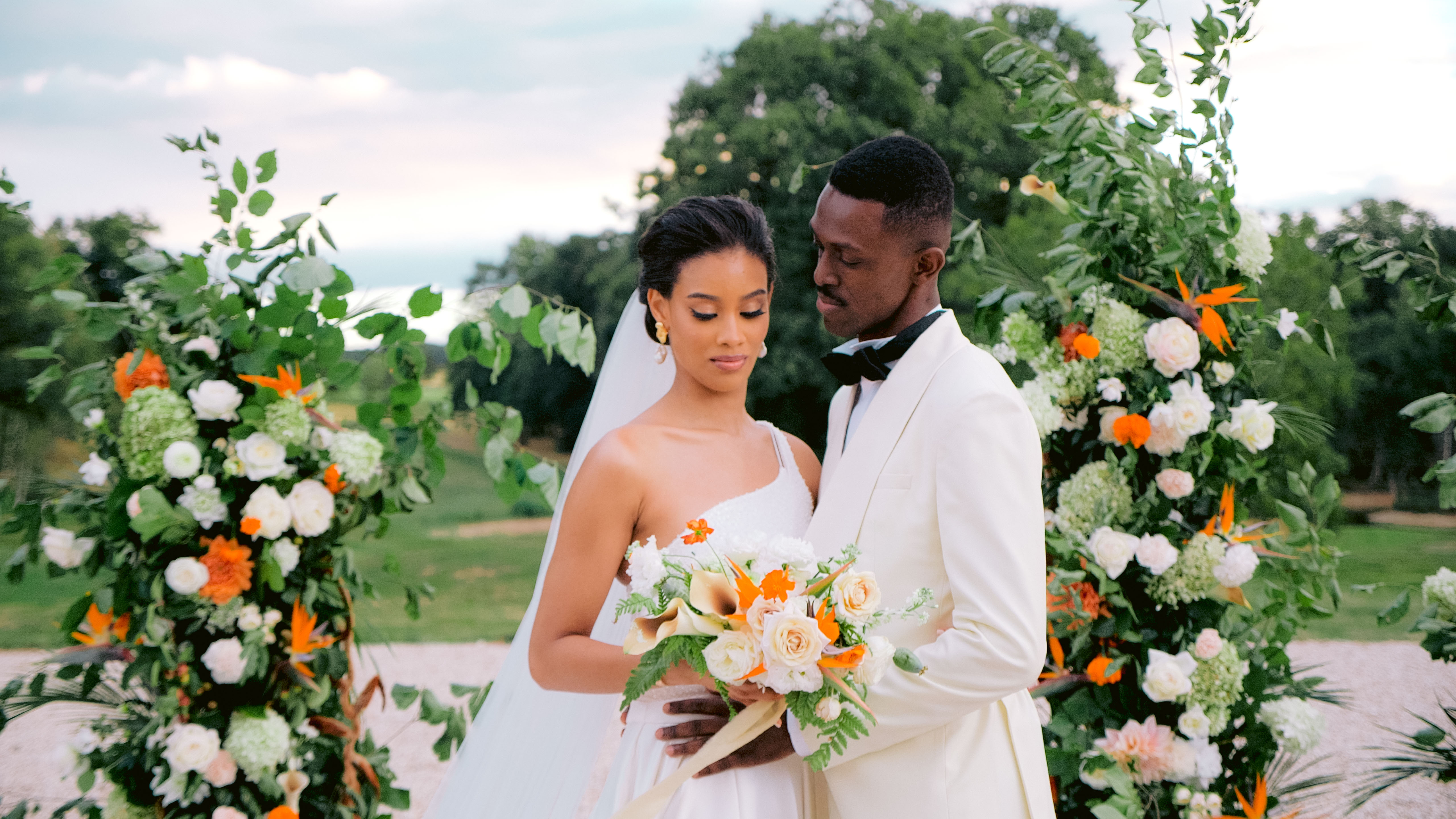 Cindy + Franklyn | Chassy, France | Domaine de Roncemay