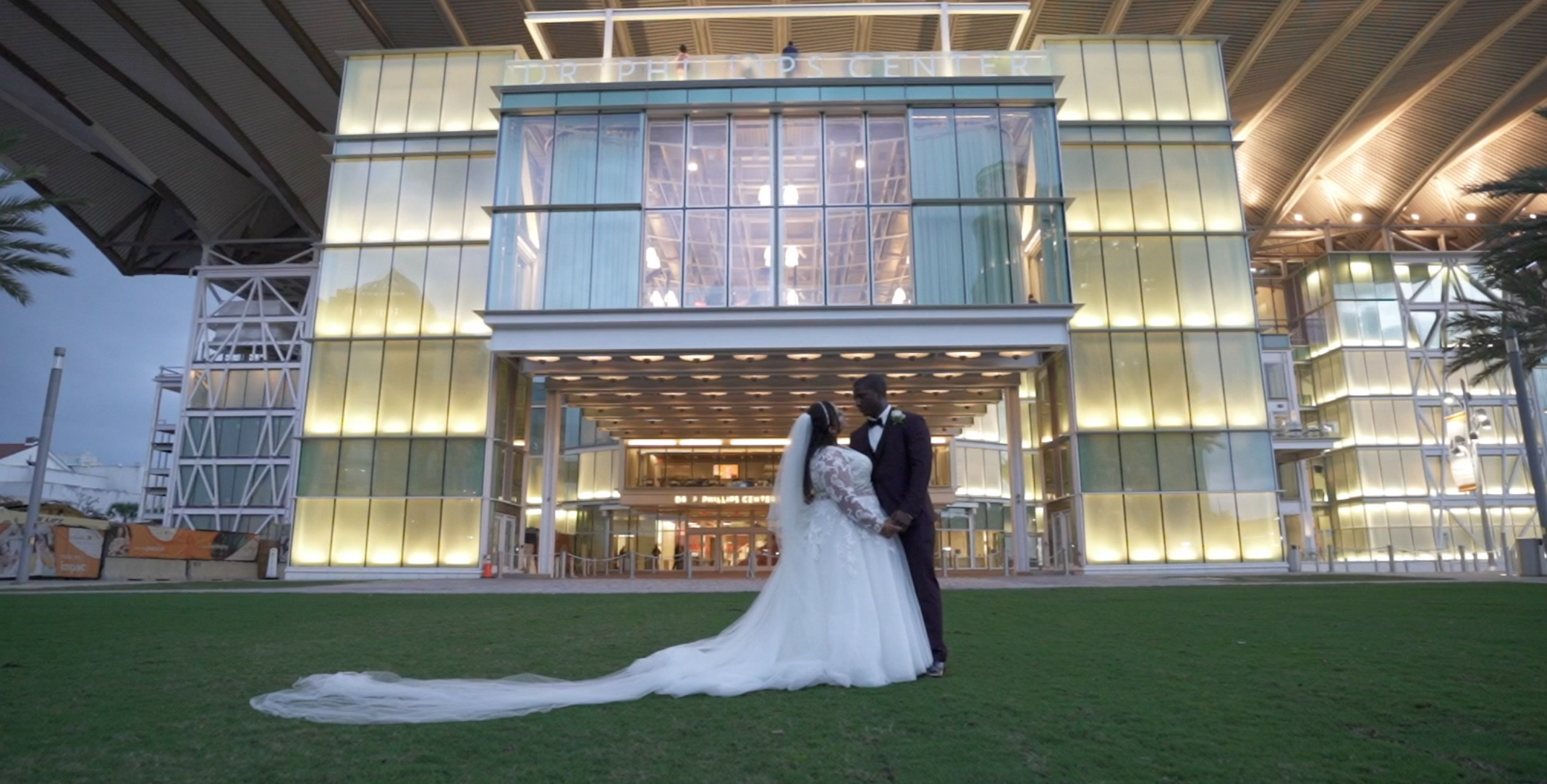 Courtney + Brandon | Orlando, Florida | Dr. Phillips Performing Arts Center