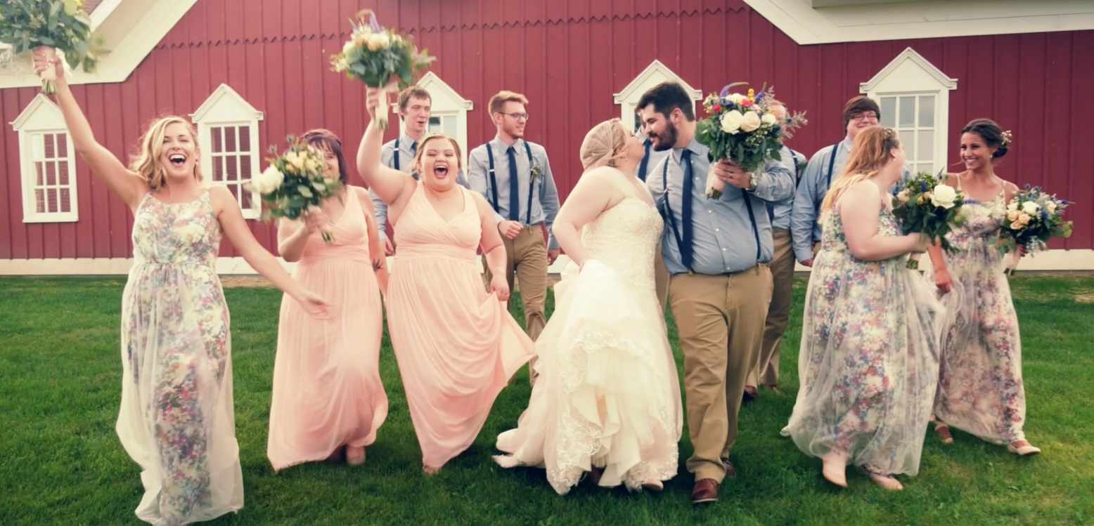 Caroline + Jace | Saint Charles, Minnesota | Barns Of Old Glory