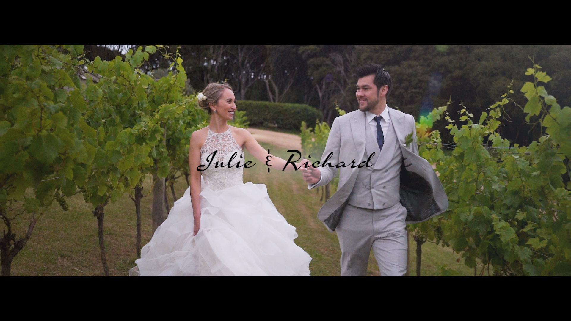 Richard + Julie | Auckland, New Zealand | Mudbrick Vineyard