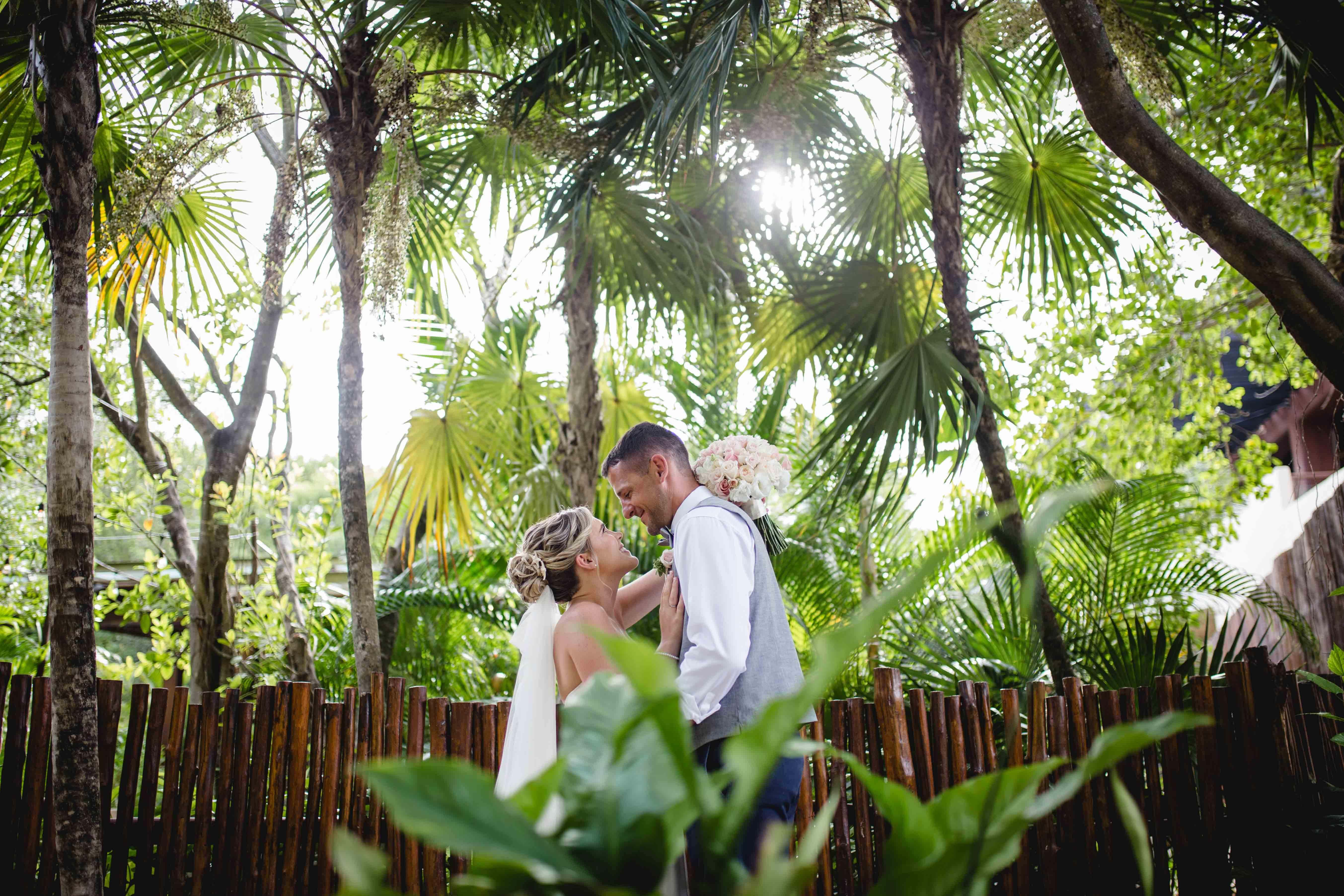 Leslie + Andrew | Puerto Morelos, Mexico | Dreams Riviera Cancun Resort & Spa Resort