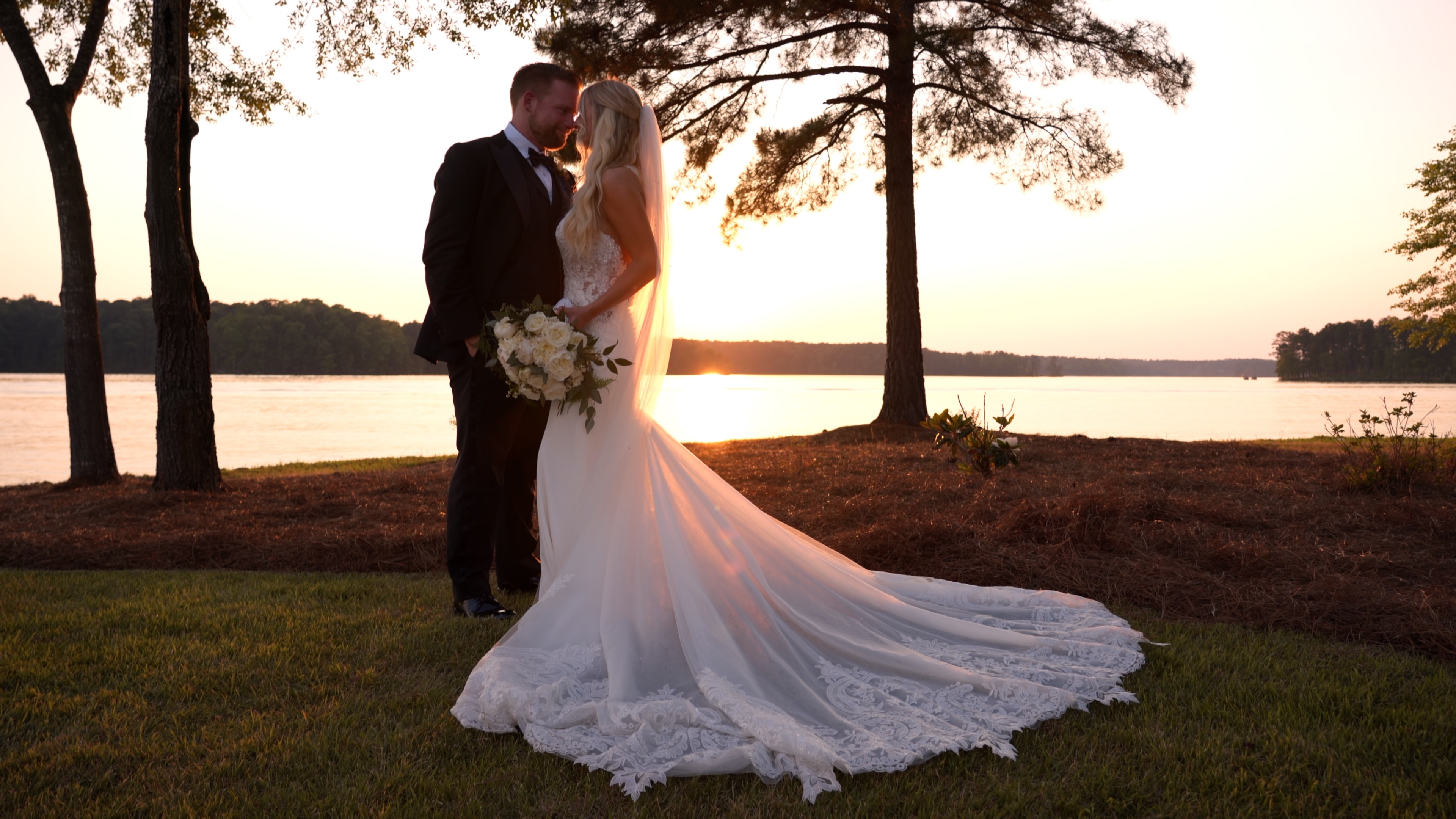 Lydia + Taylor | Eatonton, Georgia | Private Residence
