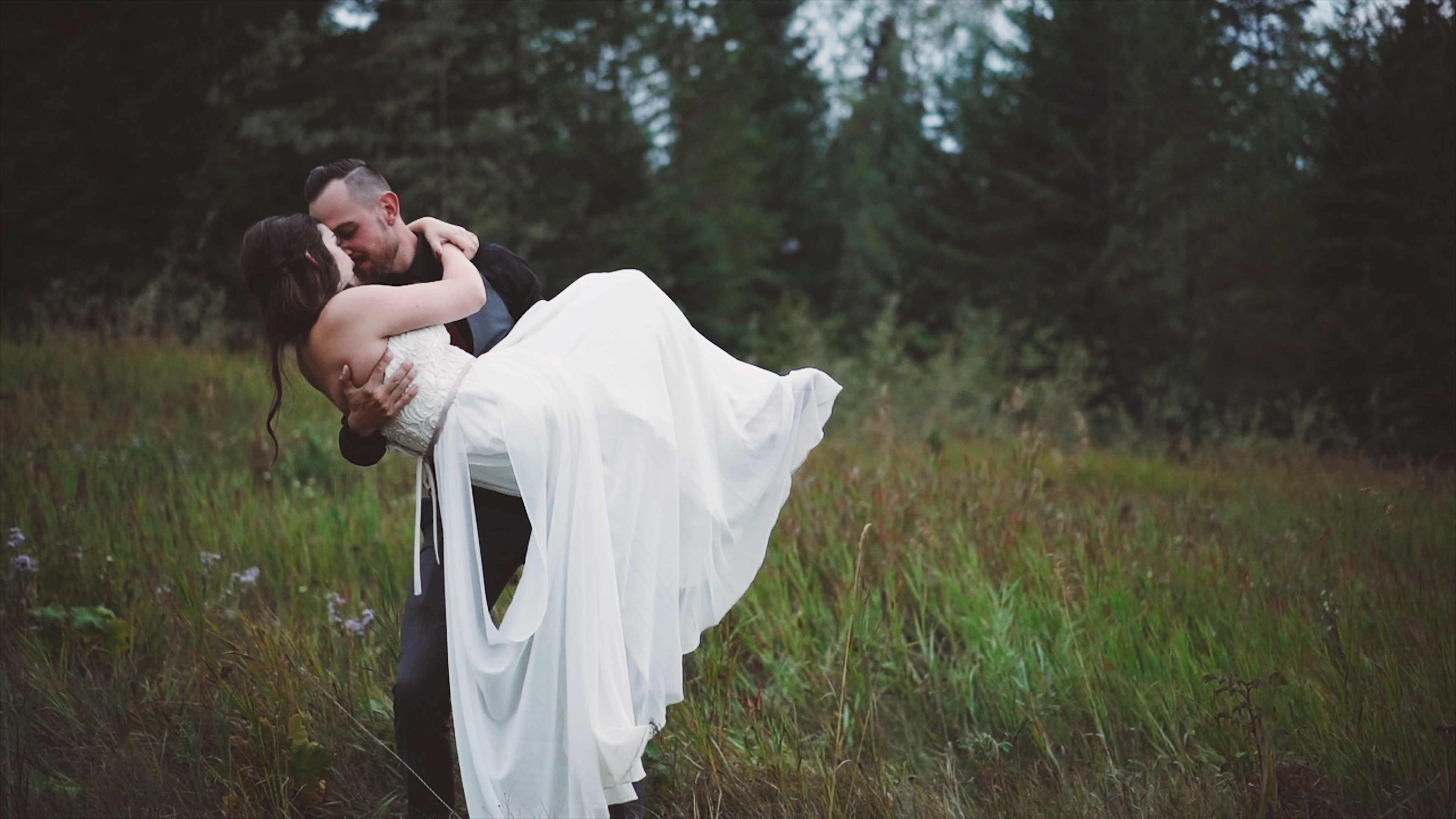 Jennifer + Brandon | Golden, Canada | Hillside Lodge, Golden